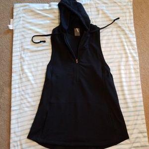 Calia tunic, black, hooded, pocketed, mesh sides